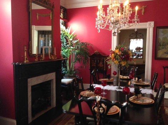 Richard Johnston Inn: Caroline House dining room