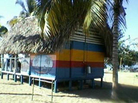 Brisas Sierra Mar Hotel: le petit bar de la plage