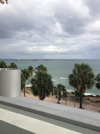 Crowne Plaza Santo Domingo: View from Pool