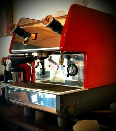 Mafra's Panetteria y Cafe: The first authentic coffee machine we saw on this side of the world