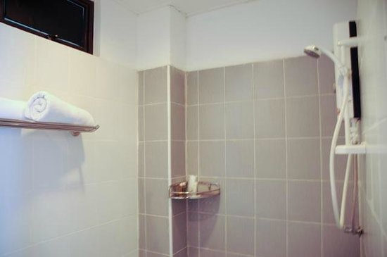 Alia Residence Business Resort : No bathtub