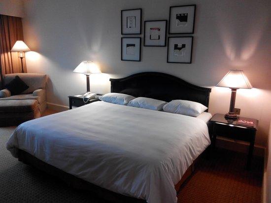 Crowne Plaza Hotel Jakarta : Guest room
