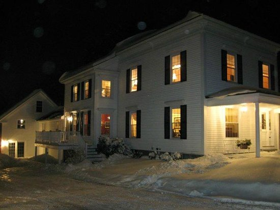 Kennebec Inn : Cold Winter Night, But Warm Inside