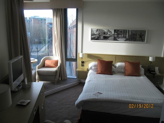 DoubleTree by Hilton Manchester Piccadilly: room