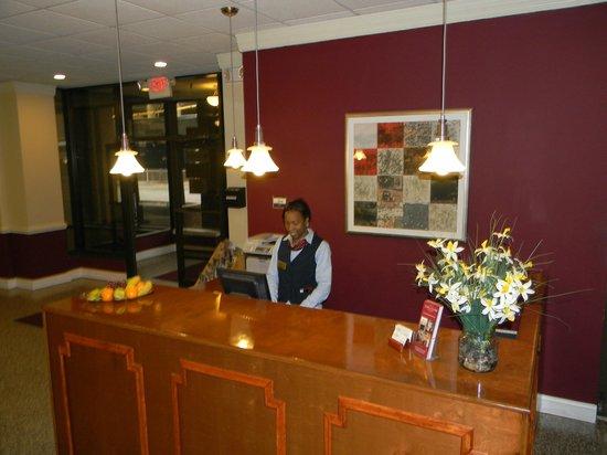 Esplanade Hotel : Front Desk