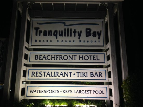 Tranquility Bay Beach House Resort : Entrance