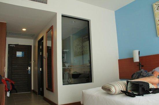 Deevana Plaza Krabi Aonang: La habitación cómoda