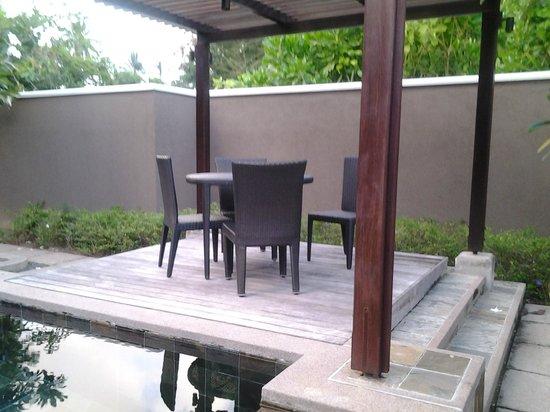 Constance Ephelia: patio