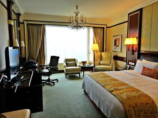 Island Shangri-La Hong Kong : Luxurious room