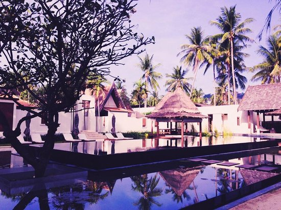 SALA Samui Resort And Spa: черный бассейн