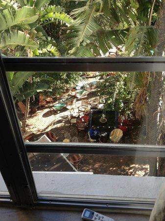 Freehand Miami: Fenster im Zimmer
