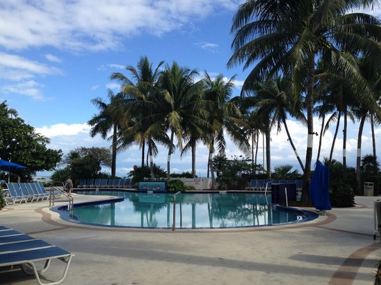 BEST WESTERN Key Ambassador Resort Inn: Heated pool