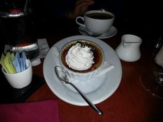 Le Cellier Steakhouse: Maple Creme Brulee - quite good