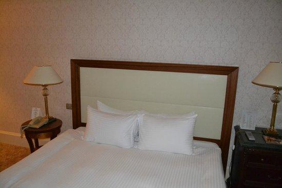 Rixos President Astana Hotel: Bed