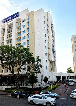 Garden Court Sandton City: Exterior of hotel