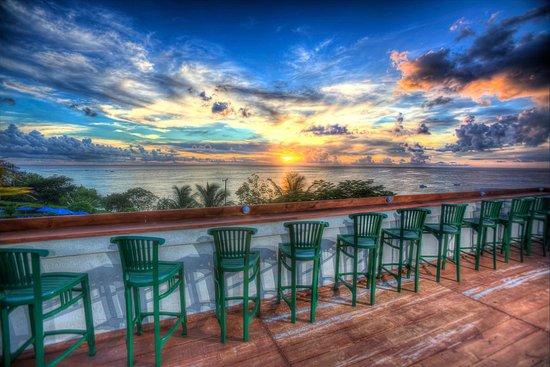 Beach View : The Sunset Bar
