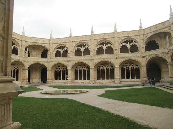 Monastère des Hiéronymites : монастырь