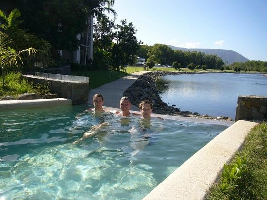 Blue Lagoon Resort : The swimming pool
