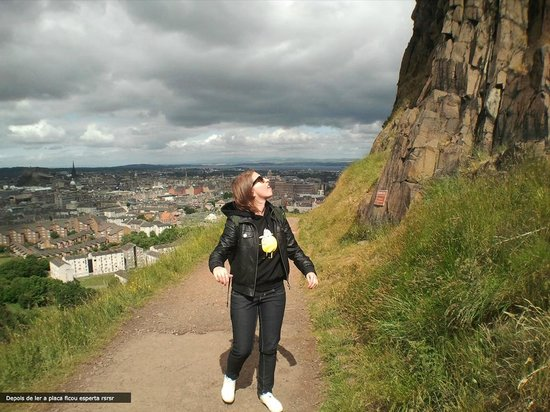 Arthur's Seat: Rocks: watch out!