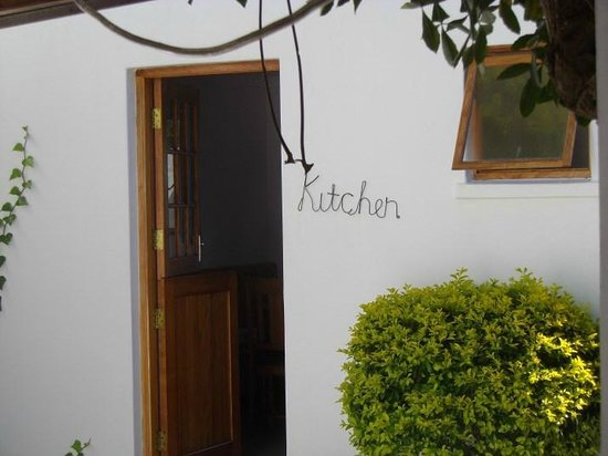 GUBAS DE HOEK meet eat sleep: Fully equipped kitchen for self-catering