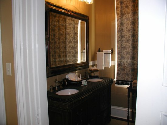 Nottoway Plantation Resort: Bathroom