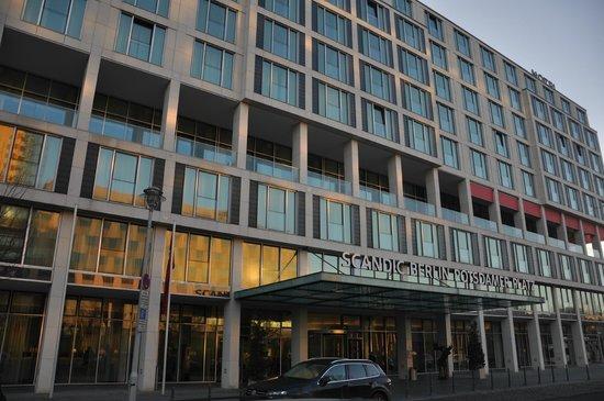 Scandic Berlin Potsdamer Platz: Fachada del hotel