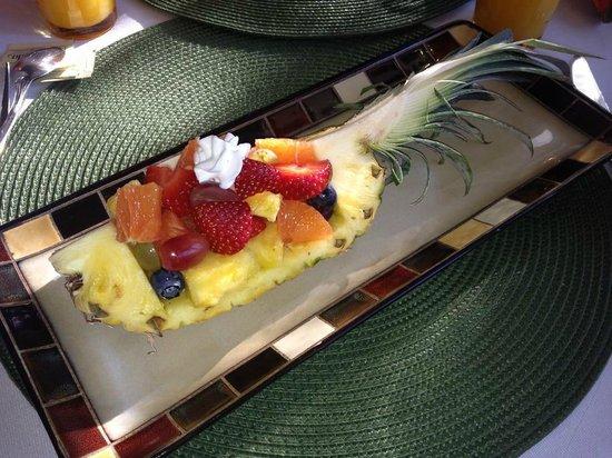 Country Villa B&B Inn & Day Spa : Fruit!