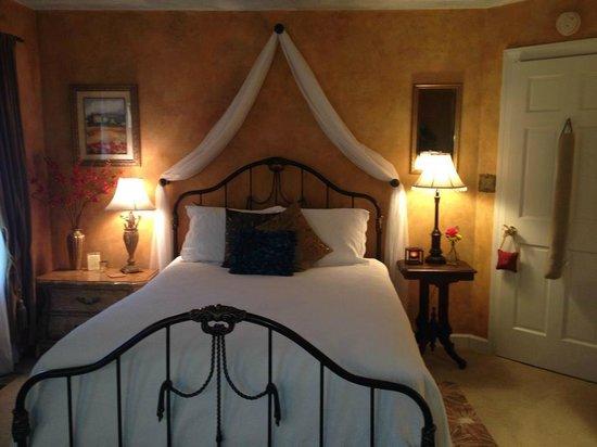 Country Villa B&B Inn & Day Spa : Emily Room