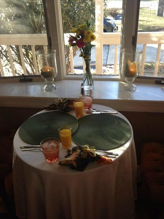Country Villa B&B Inn & Day Spa: Breakfast Place Setting