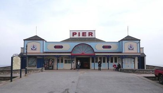 Grand Pier: The entrance