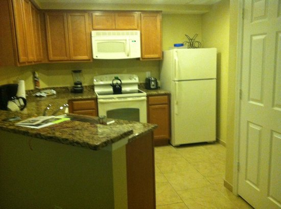 Vacation Village at Parkway: Kitchen area with a dishwasher