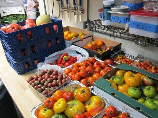 Crook's Corner : Tomato Season