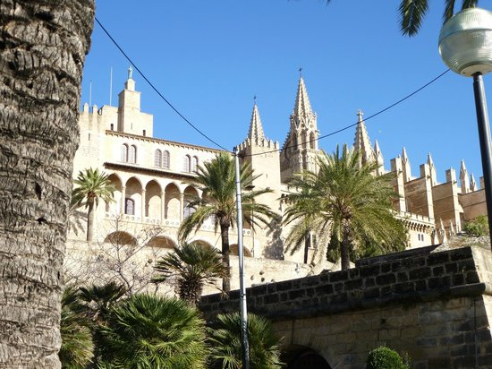 Palma Cathedral Le Seu: view of the cathedral