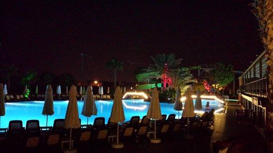 Alba Resort Hotel: Pool Area At Night