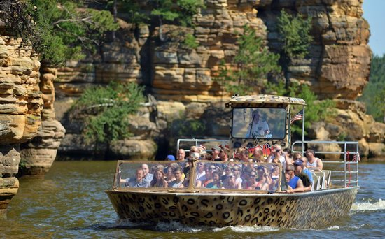 Captain Ron's Original Dells Jet Boats: Wildthing Jet Boat Touring Rock Formations