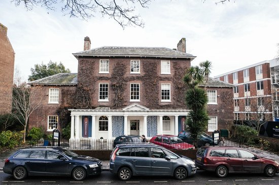 Southernhay House Hotel: Front of Hotel