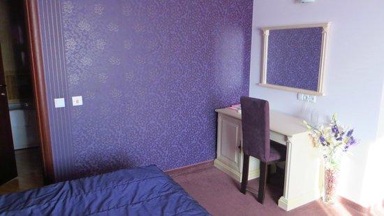 Hotel Aris: room