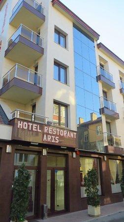 Hotel Aris: outside