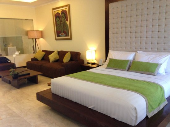 Kamuela Villas and Suite Sanur: Spacious bedroom