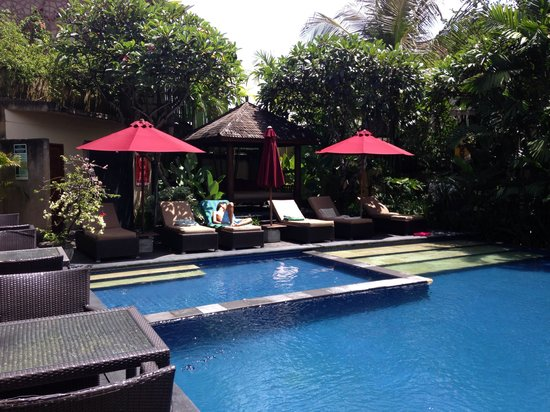 Kamuela Villas and Suite Sanur: Main pool