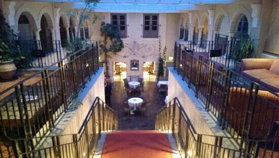 Nailcote Hall Hotel and Golf Club: Stairs down to pool area