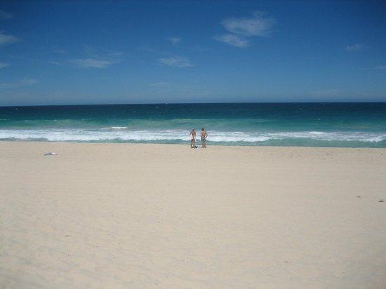 Trigg Beach : 日光浴にも最適です。