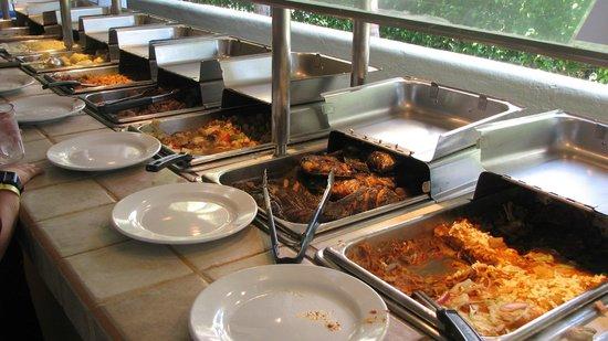 Hotel Fontan Ixtapa : Evening buffet