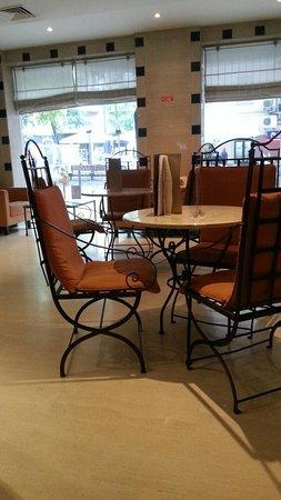SANA Executive Hotel: bar