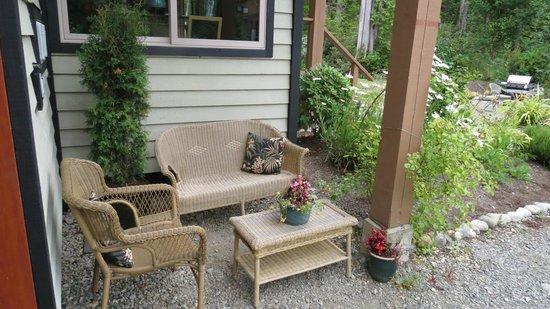 Cobble Wood & Bird Sanctuary Guest Houses: RELAX