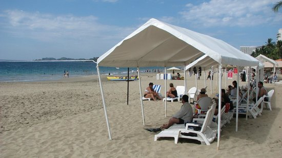 Hotel Fontan Ixtapa: Limited shade available