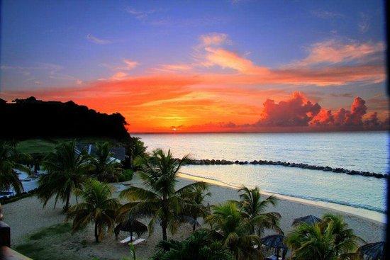 Sandals LaSource Grenada Resort and Spa: SUNSET AT RESORT