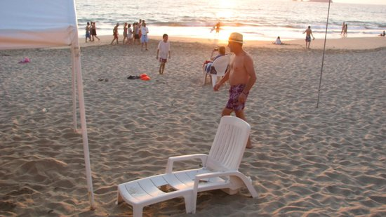 Hotel Fontan Ixtapa: Broken chairs