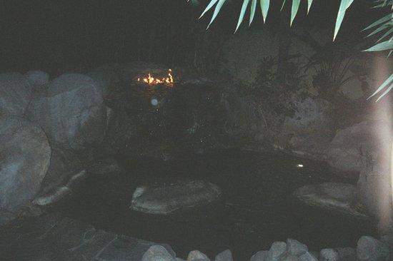 Vista Grande Resort - A Gay Mens Resort: Waterfall/Lagoon fire