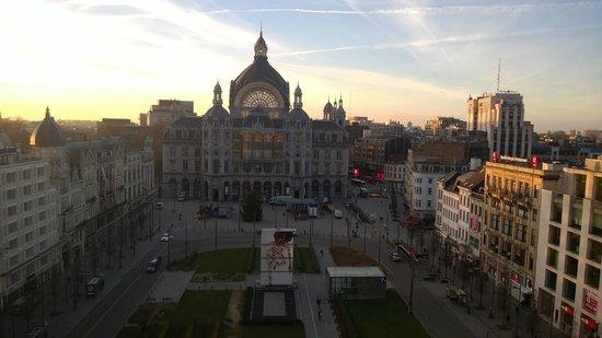 Radisson Blu Astrid Hotel, Antwerp: Uitzicht op een zonnige decembermaandag